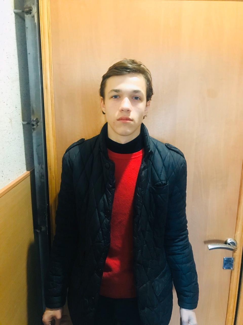 Переночевал в церкве и ушёл: в Днепре ищут 16-летнего парня, - ФОТО, фото-1