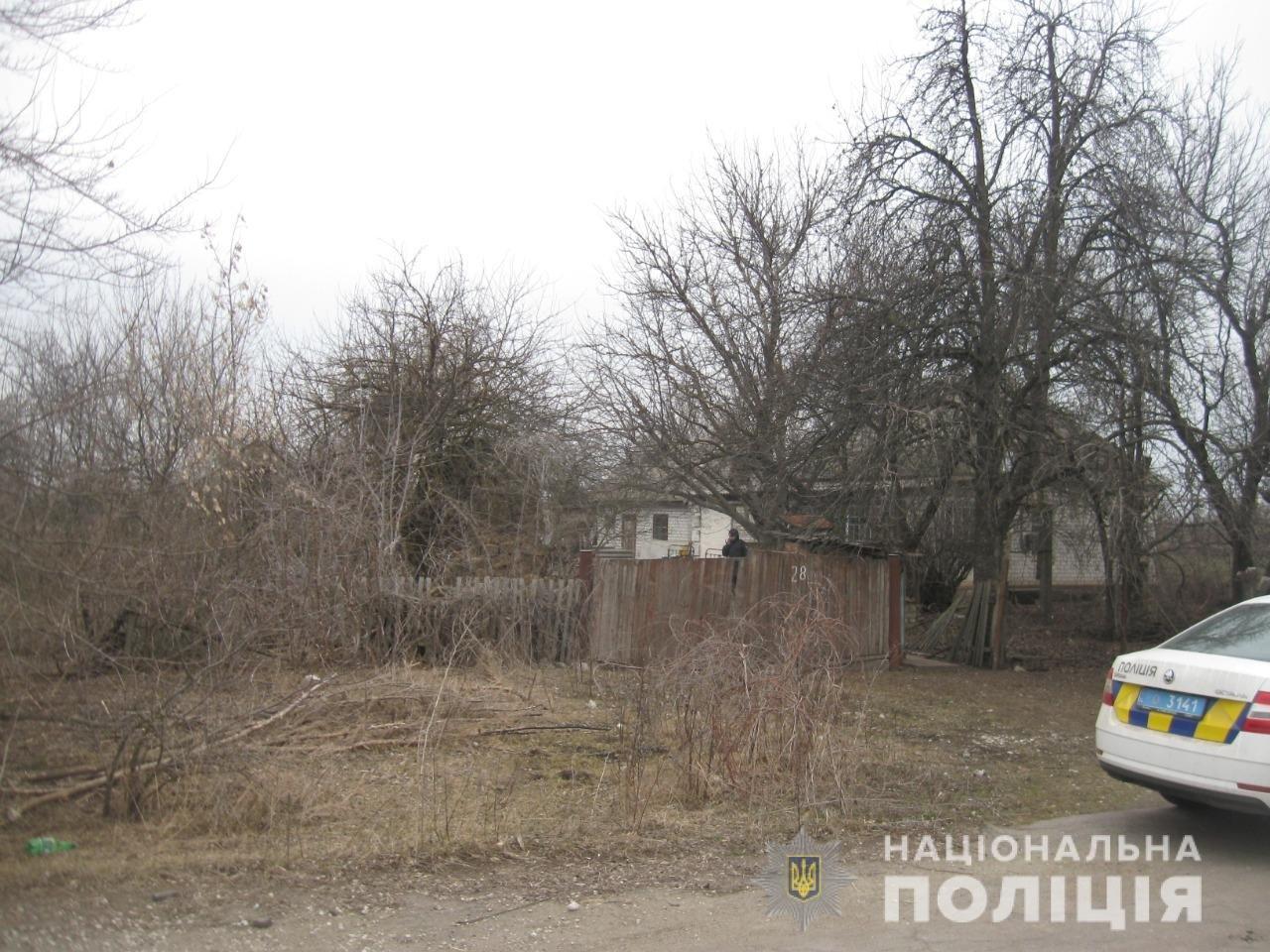 В Днепропетровской области неизвестный ограбил дом 82-летнего пенсионера, - ФОТО, фото-2
