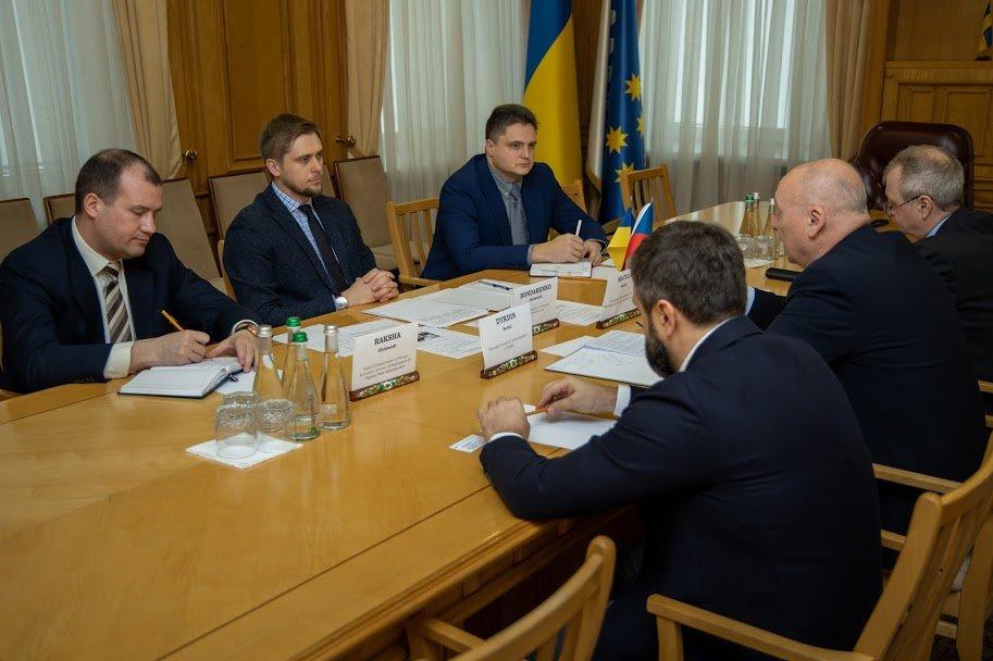 В Днепре состоялась первая встреча главы облгосадминистрации и Чрезвычайного и Полномочного Посла Чешской Республики в Украине, - ФОТО, фото-2
