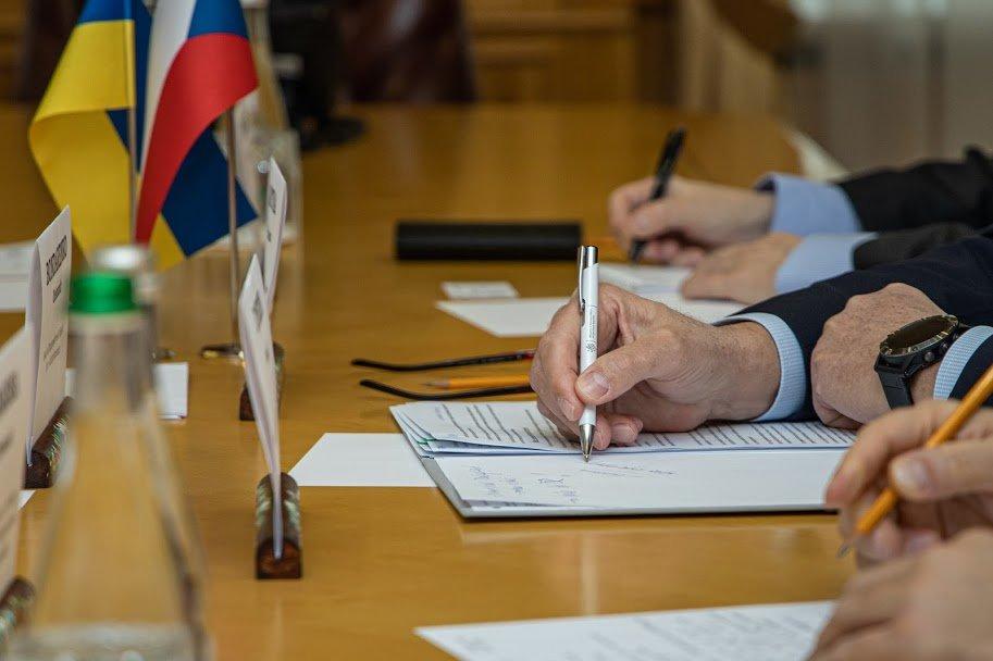 В Днепре состоялась первая встреча главы облгосадминистрации и Чрезвычайного и Полномочного Посла Чешской Республики в Украине, - ФОТО, фото-6