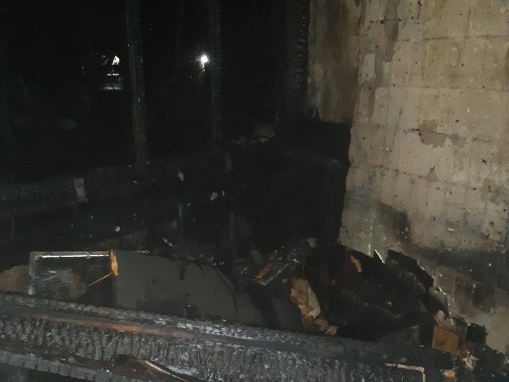 На Днепропетровщине случился пожар на балконе одного из жилых девятиэтажных домов, - ФОТО, фото-2