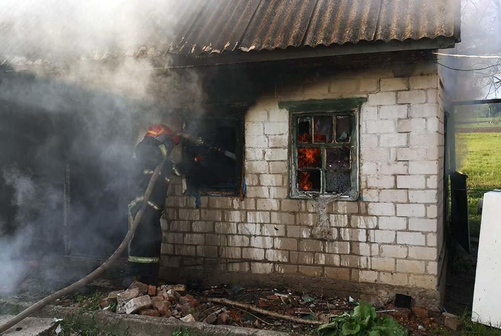 Под Днепром потушили пожар в частном секторе, - ФОТО, фото-1
