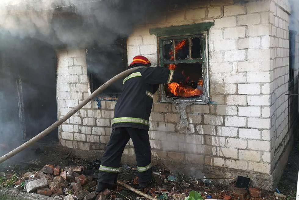 Под Днепром потушили пожар в частном секторе, - ФОТО, фото-3