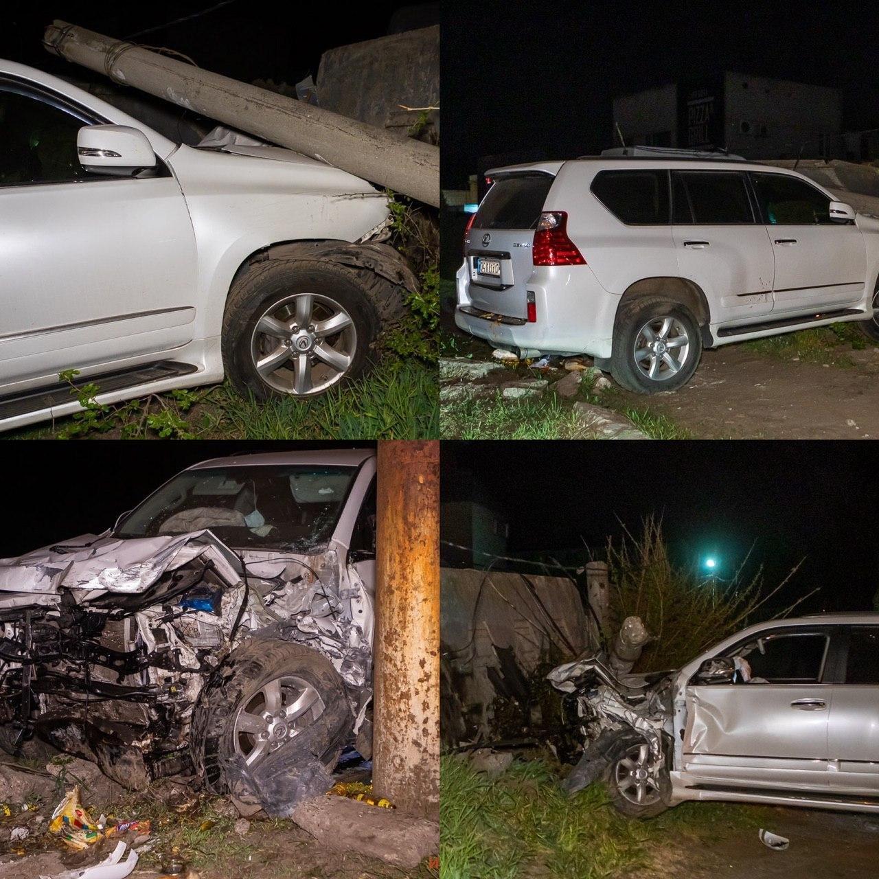 В Днепре водитель Lexus влетел в ограждение стоянки и повредил несколько авто, - ФОТО, фото-1