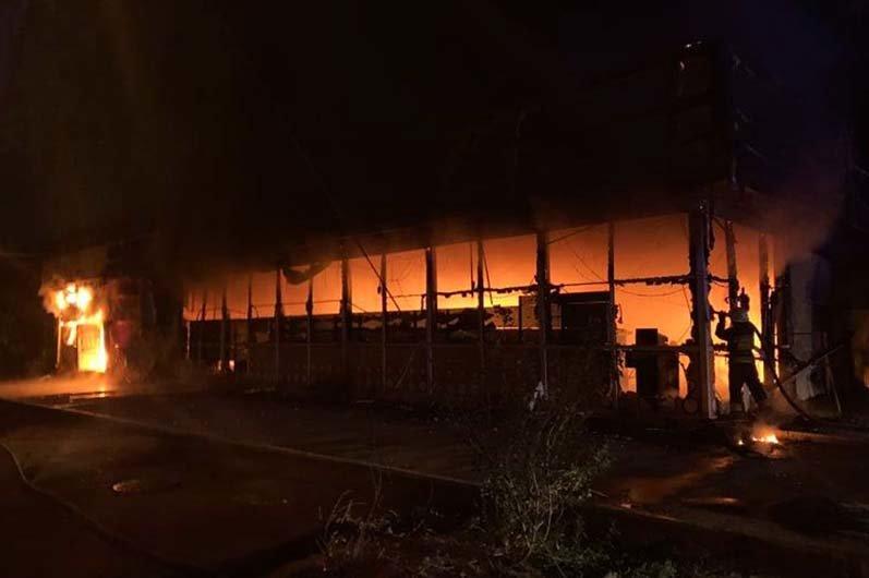В Днепре ночью горел магазин с одеждой и продовольствием, - ФОТО, фото-3