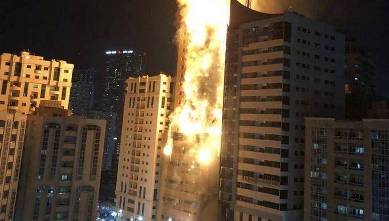 Полностью охвачен огнем: в ОАЭ горит 48-этажный небоскреб, - ФОТО, ВИДЕО, фото-1