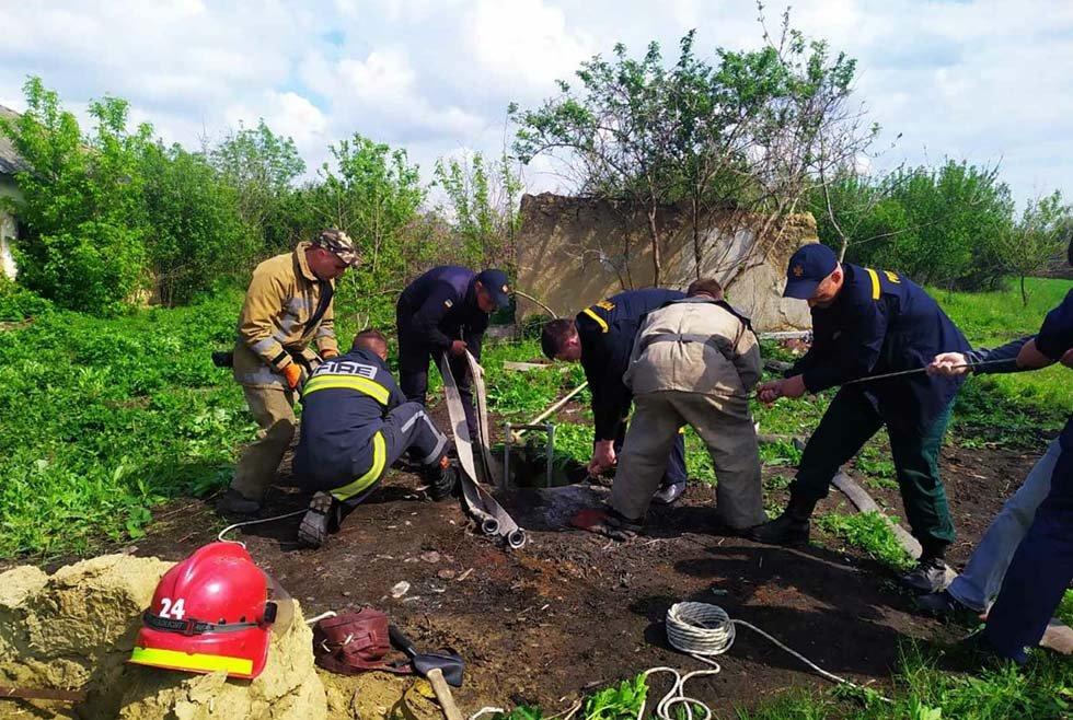 Под Днепром из 6-метрового колодца пожарные спасали теленка, - ФОТО, ВИДЕО, фото-4