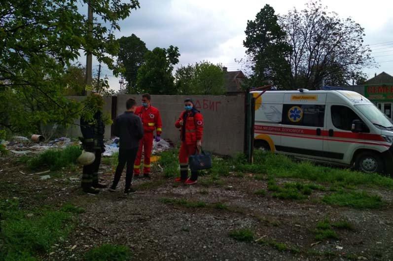 В Днепропетровской области 13-летний парень забрался на последний этаж недостроя и не мог спуститься самостоятельно, - ФОТО, фото-2