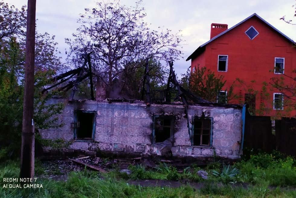 На Днепропетровщине пожар уничтожил крышу жилого дома, - ФОТО, фото-4