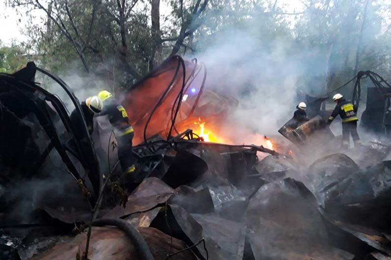 В Днепре горел склад со вторичным сырьем: спасатели час тушили огонь, - ФОТО, фото-4