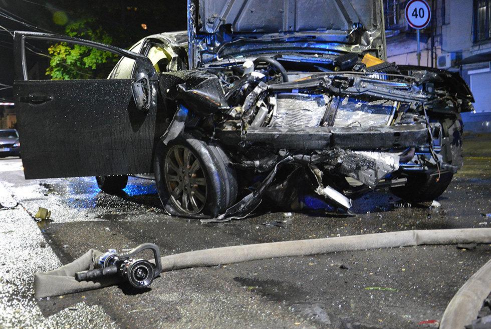В Днепре вечером Mitsubishi врезался в легковушку, убегая от полиции, - ФОТО, фото-2