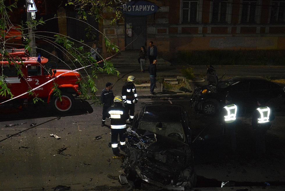 В Днепре вечером Mitsubishi врезался в легковушку, убегая от полиции, - ФОТО, фото-4