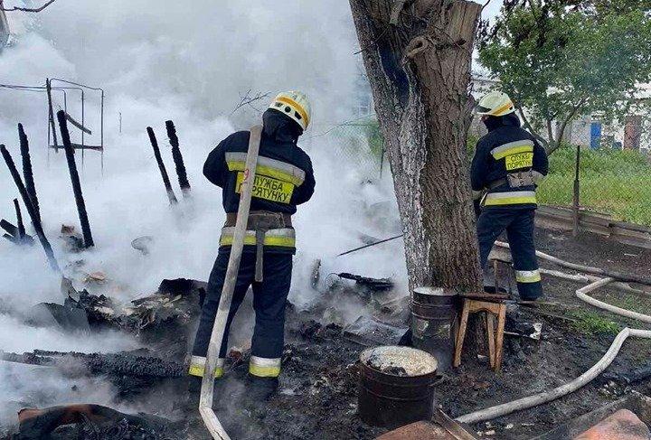 В Днепре на территории частного домовладения произошел пожар, - ФОТО, фото-2