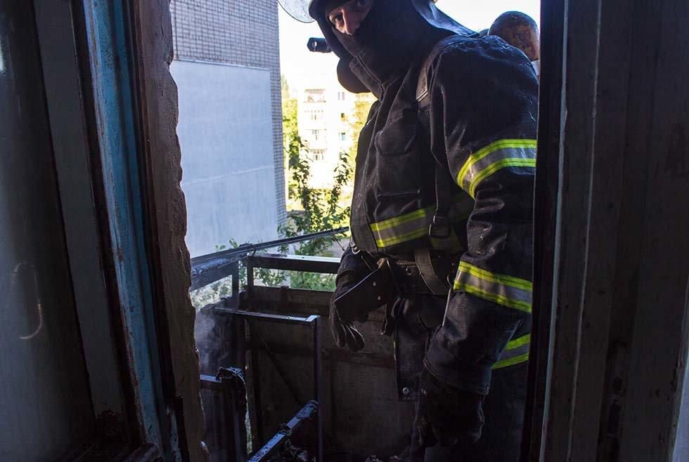 Под Днепром в квартире в жилом доме горел балкон, - ФОТО, фото-2
