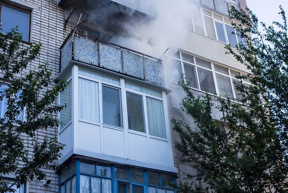 Под Днепром в квартире в жилом доме горел балкон, - ФОТО, фото-4