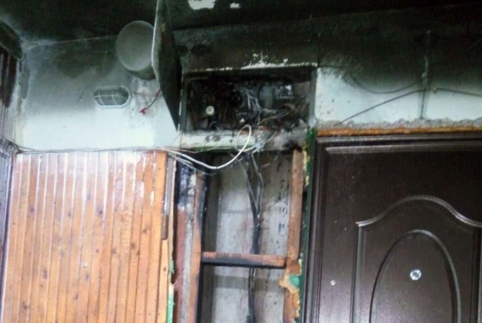 На Днепропетровщине в подъезде загорелась электрощитовая и обесточила 4 этажа, - ФОТО, фото-1