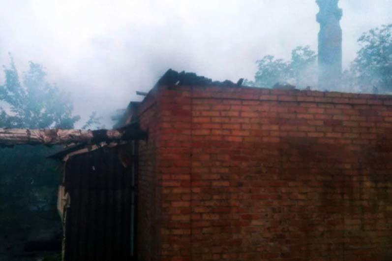 Под Днепром 4 часа тушили пожар в жилом доме, - ФОТО , фото-4