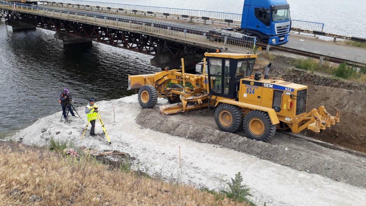 На месте рухнувшего моста в Днепропетровской области построят понтонный мост для объезда, - ФОТО, фото-2