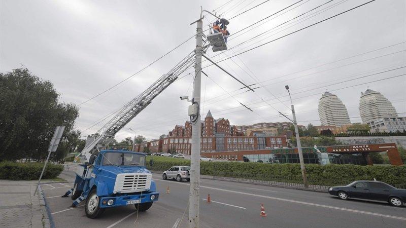 В Днепре продолжают модернизировать уличное освещение, - ФОТО, фото-1