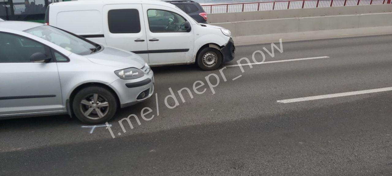 На Новом мосту в Днепре ДТП с четыремя авто, ожидаются пробки, - ФОТО, фото-3
