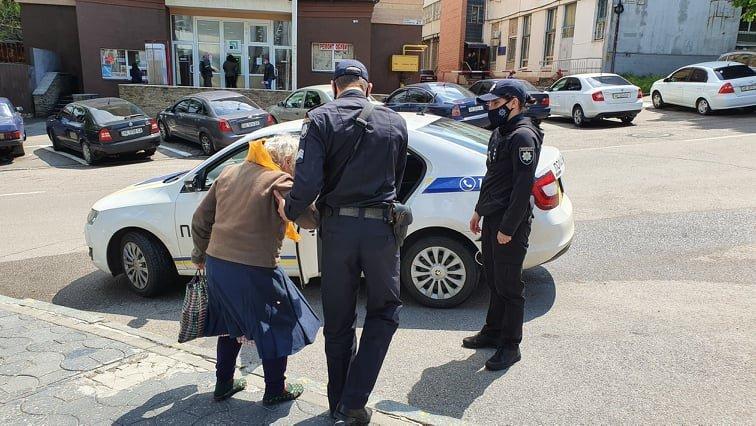 Приехала в Днепр за помощью: 83-летняя жительница области бежала от сына, который ее избивал, фото-5