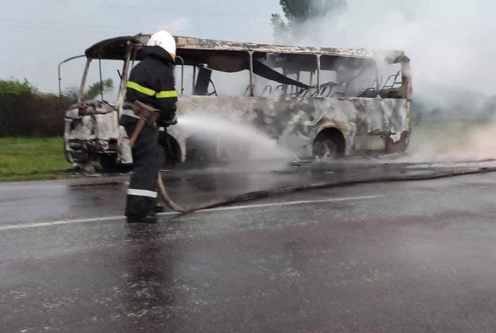 На Днепропетровщине горел рейсовый автобус, - ФОТО, фото-4