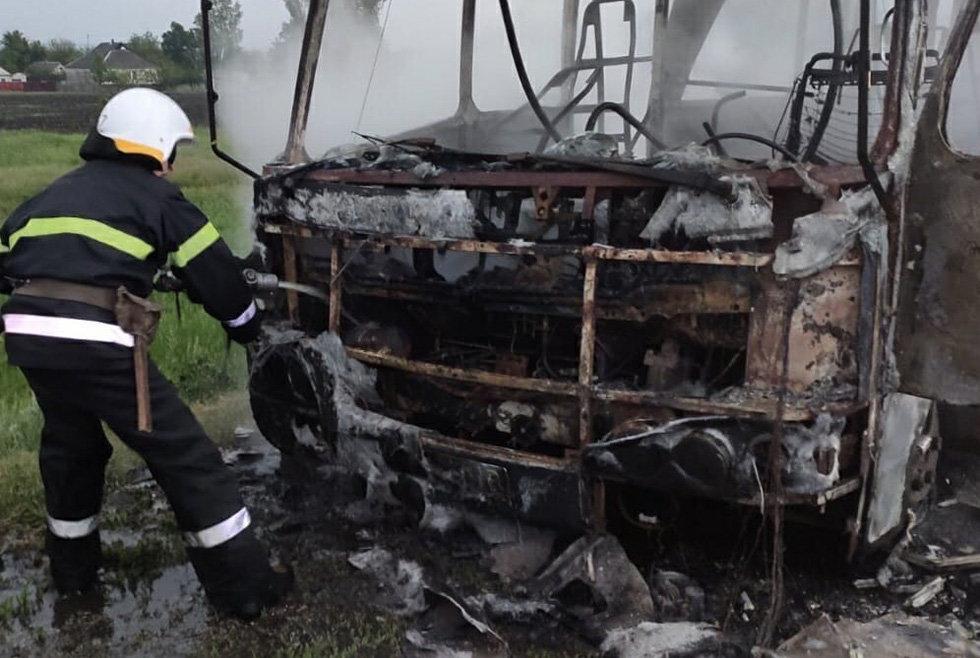 На Днепропетровщине горел рейсовый автобус, - ФОТО, фото-3