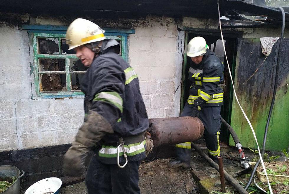 На Днепропетровщине горела летняя кухня, - ФОТО, фото-1