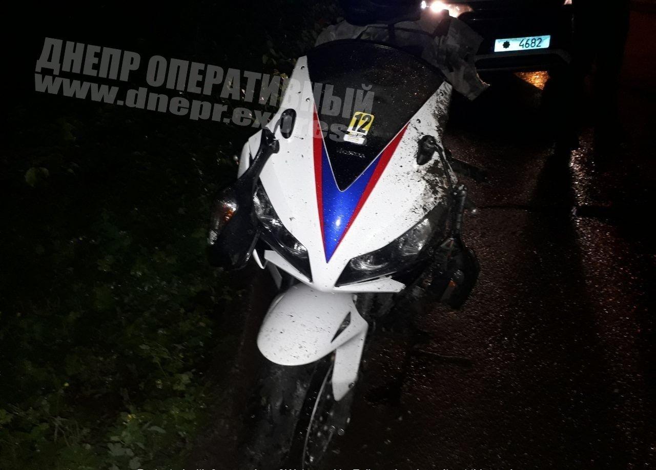 В Днепре мотоцикл врезался в бордюр на высокой скорости, - ФОТО, ВИДЕО ПРОИСШЕСТВИЯ, фото-2