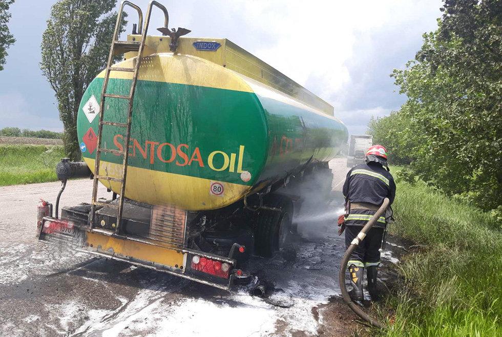 Под Днепром пожарные тушили горящий бензовоз, - ФОТО, фото-2
