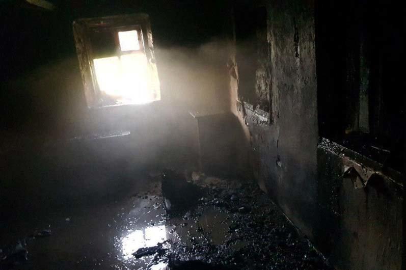 В Днепропетровской области спасатели тушили пожар внутри одноэтажного здания, - ФОТО, фото-2