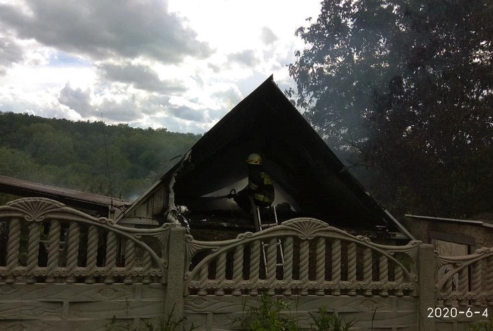 В Днепре горел дом в частном секторе, - ФОТО, фото-2