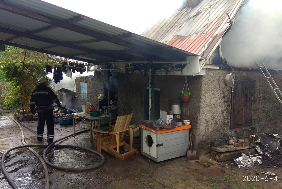 В Днепре горел дом в частном секторе, - ФОТО, фото-4