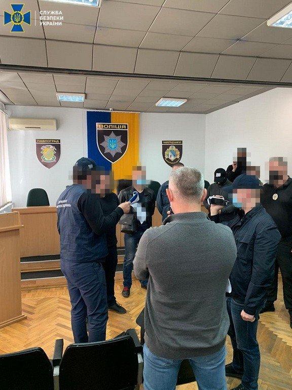 В Днепропетровской области СБУ арестовала начальника отделения полиции который фальсифицировал уголовные дела, - ФОТО, фото-6