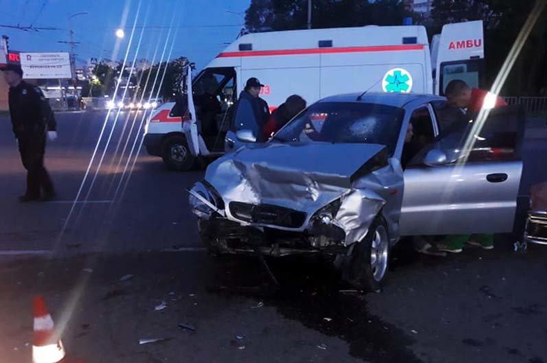 ДТП в Днепре: на Запорожском шоссе в аварии пострадали 4 человека, - ФОТО, фото-1