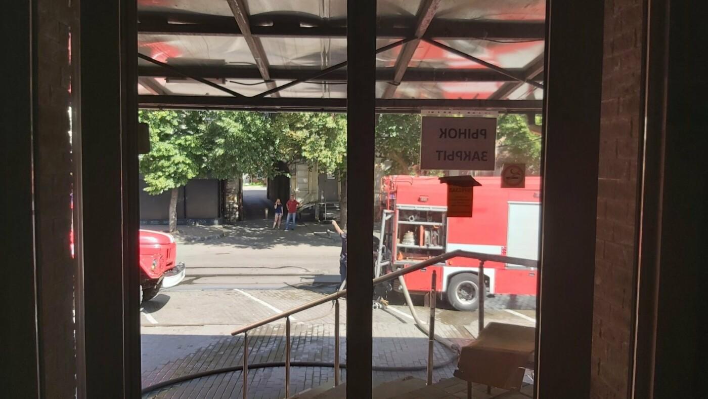 В Днепре произошёл пожар в цветочных павильонах на Баррикадной, - ФОТО, фото-1
