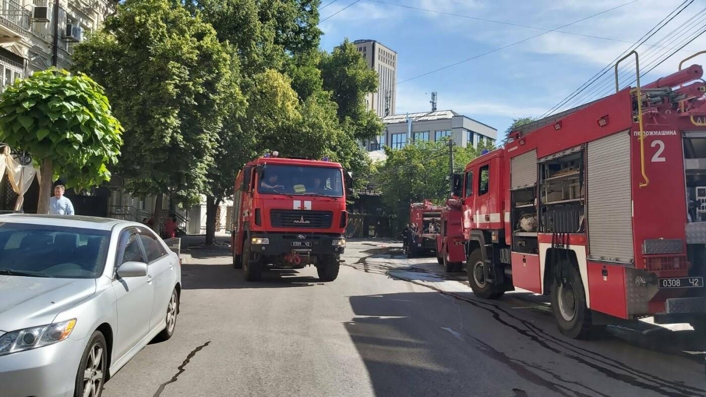 В Днепре произошёл пожар в цветочных павильонах на Баррикадной, - ФОТО, фото-3