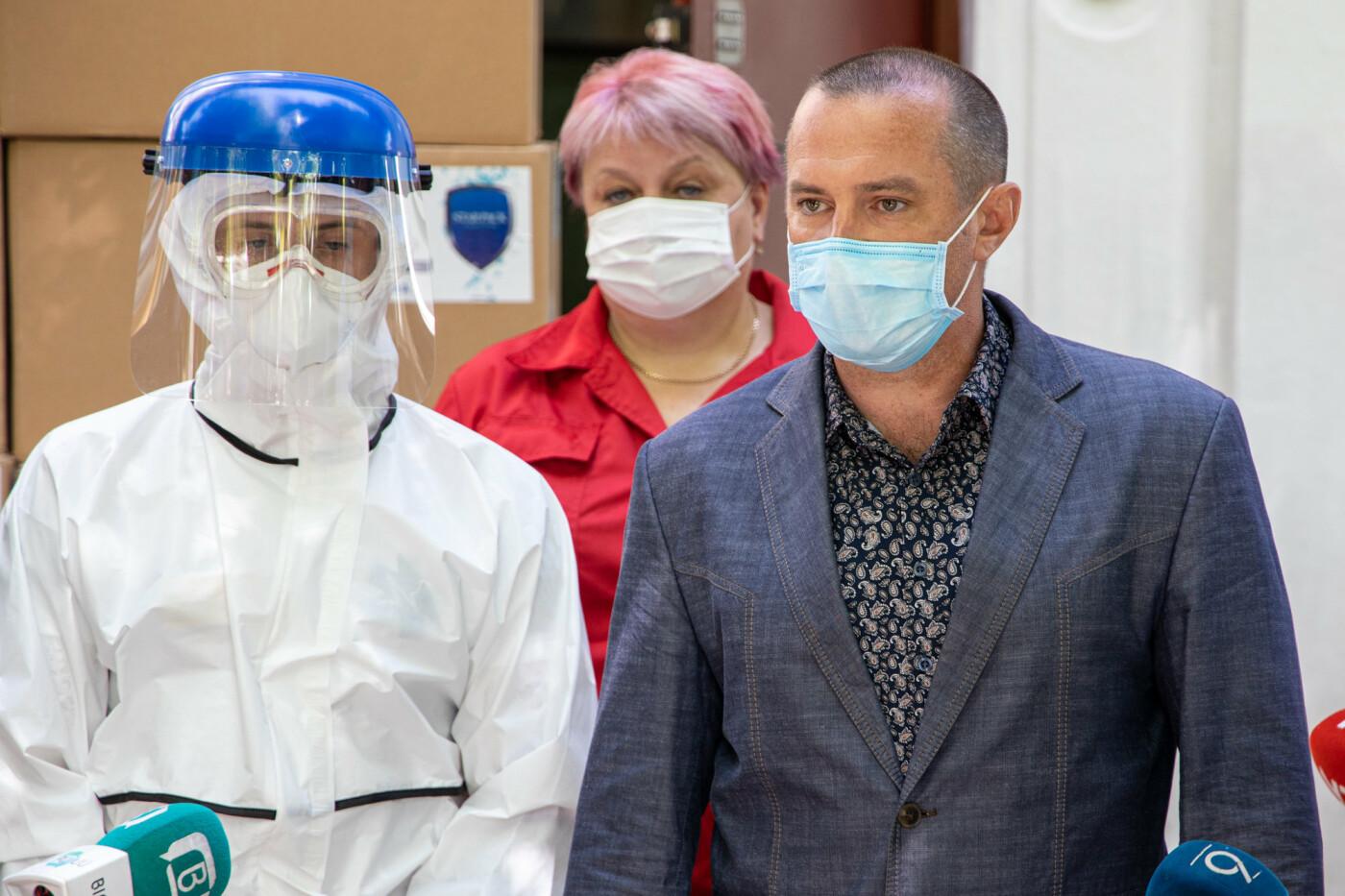 Врачи Днепропетровщины получат более 18 тысяч биозащитных костюмов, - ФОТО, фото-6