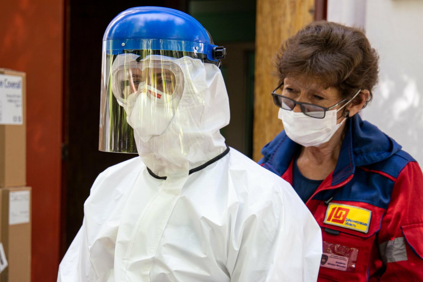 Врачи Днепропетровщины получат более 18 тысяч биозащитных костюмов, - ФОТО, фото-10