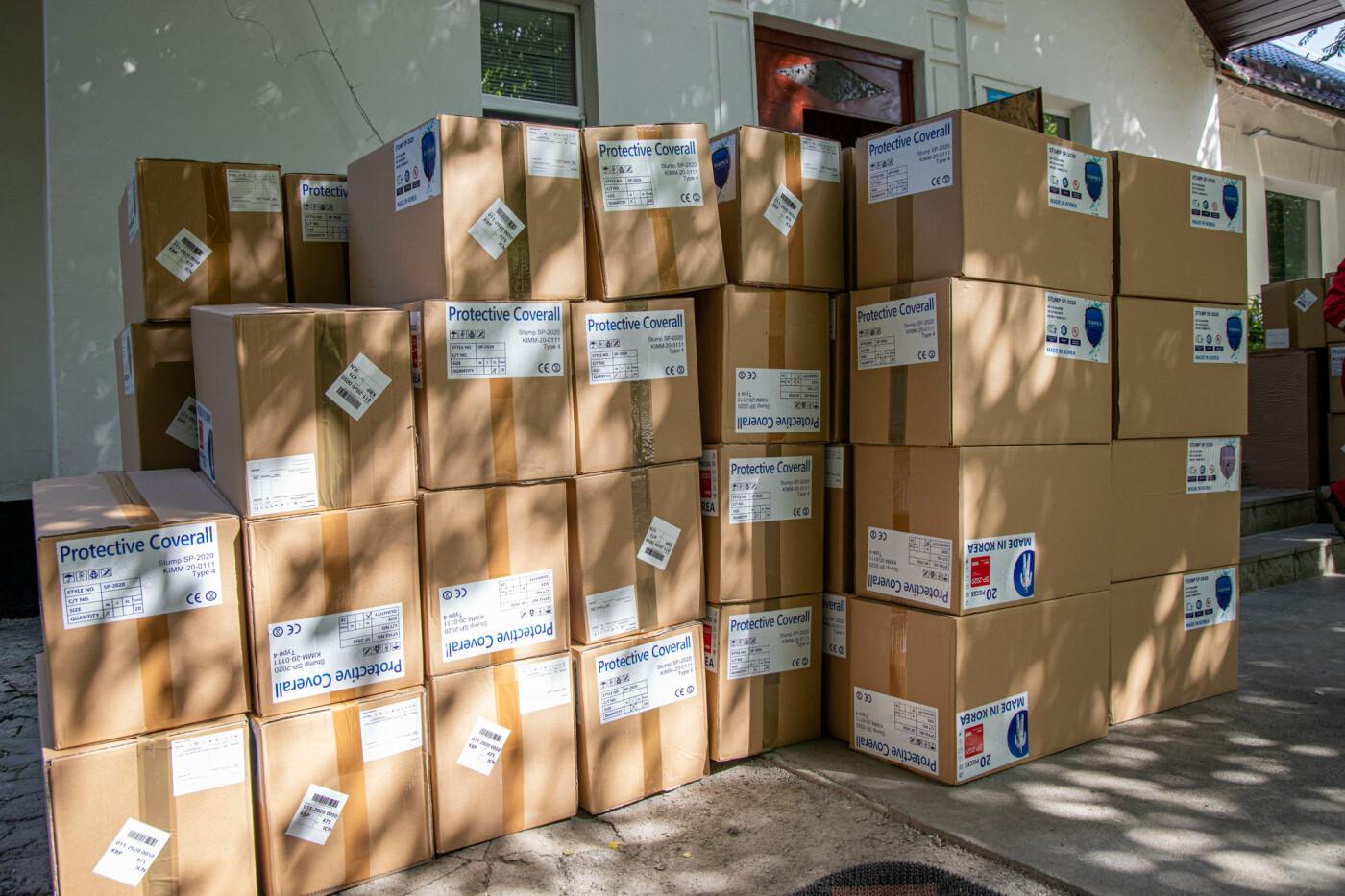 Врачи Днепропетровщины получат более 18 тысяч биозащитных костюмов, - ФОТО, фото-9