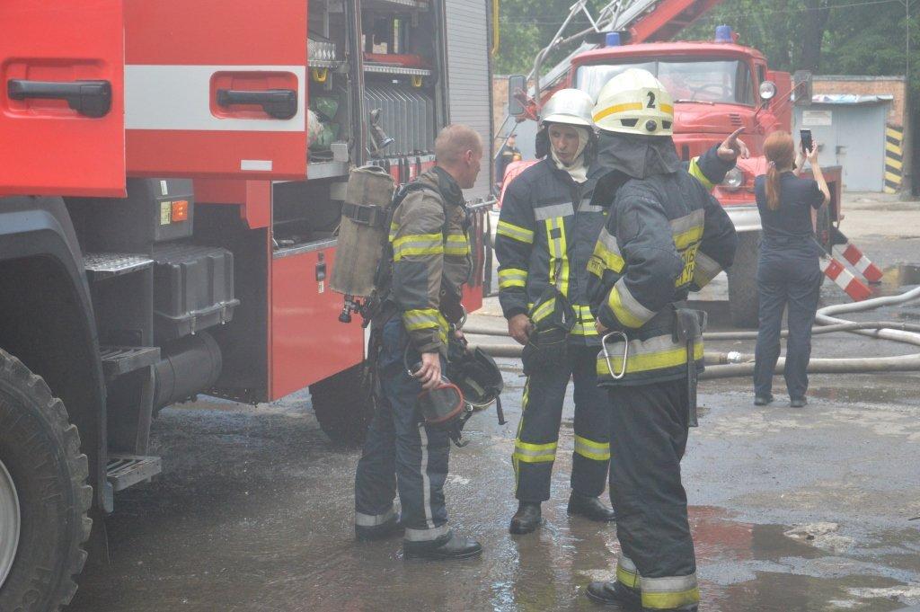 В Днепре пожарные тушили склад, - ФОТО, фото-3