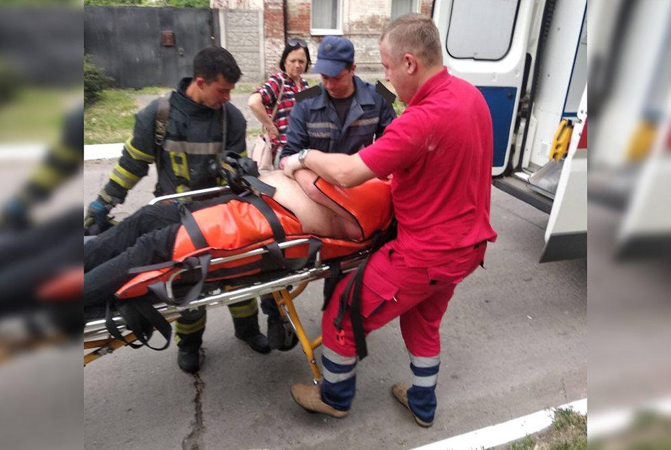Под Днепром пожарные спасли мужчину из горящей квартиры, - ФОТО, фото-1
