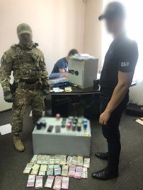 Прокуратура и СБУ провели обыски в горсовете и местном СМИ Днепра, - ФОТО, фото-3