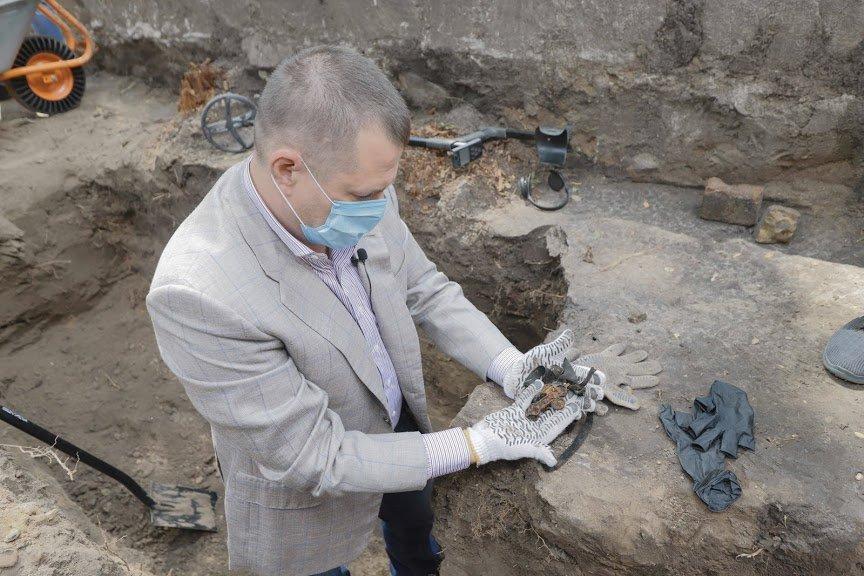 Борис Филатов: предварительные результаты раскопок Лазаревской церкви позволяют считать, что могила Поля будет найдена, фото-2