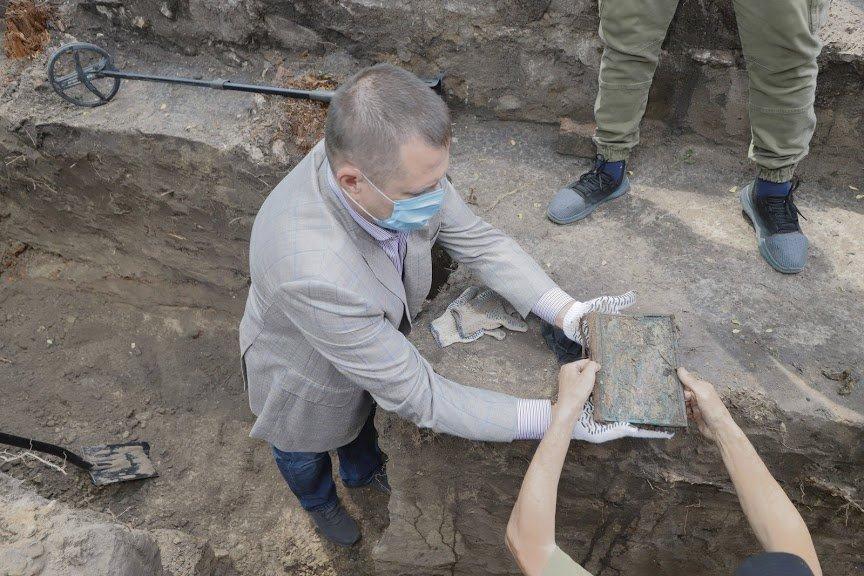 Борис Филатов: предварительные результаты раскопок Лазаревской церкви позволяют считать, что могила Поля будет найдена, фото-3