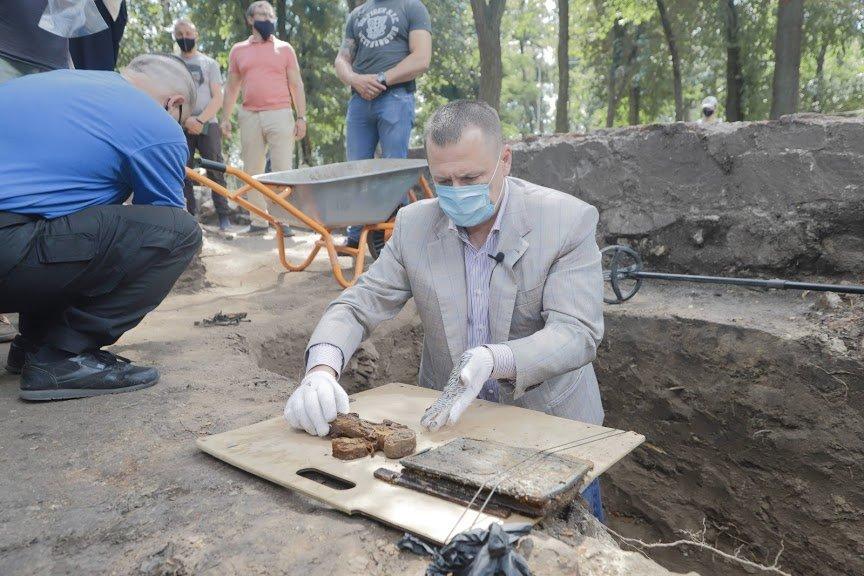 Борис Филатов: предварительные результаты раскопок Лазаревской церкви позволяют считать, что могила Поля будет найдена, фото-4
