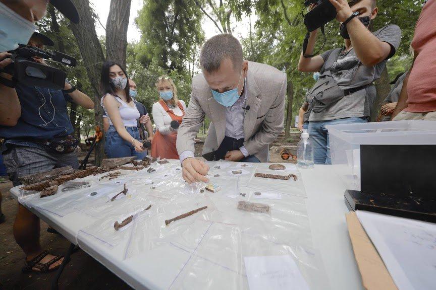 Борис Филатов: предварительные результаты раскопок Лазаревской церкви позволяют считать, что могила Поля будет найдена, фото-6