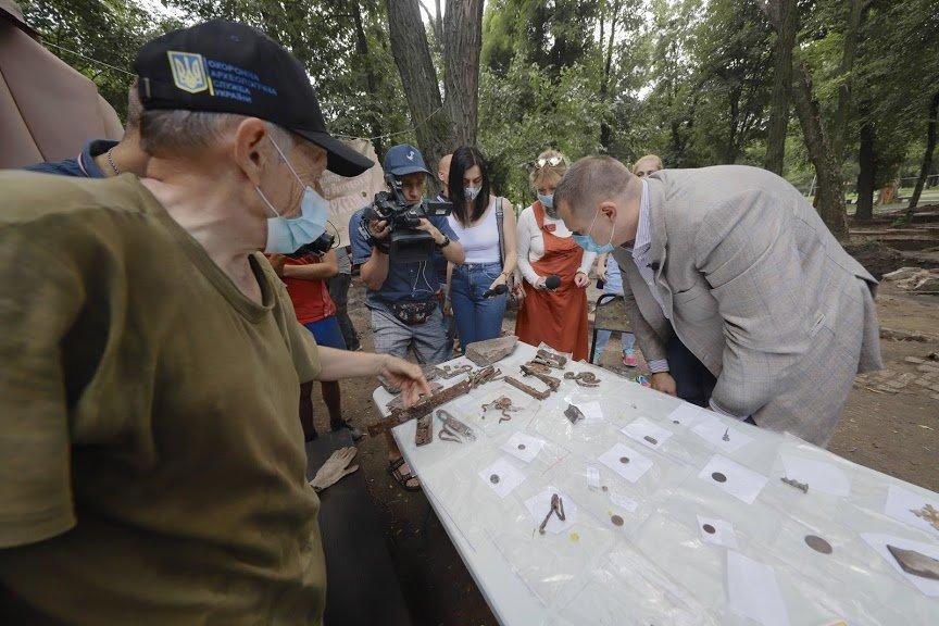 Борис Филатов: предварительные результаты раскопок Лазаревской церкви позволяют считать, что могила Поля будет найдена, фото-7