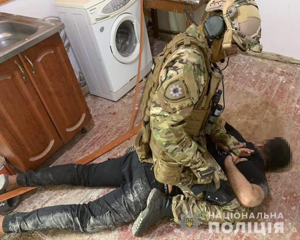 Под Днепром задержали трех иностранцев, ограбивших пенсионеров, фото-1