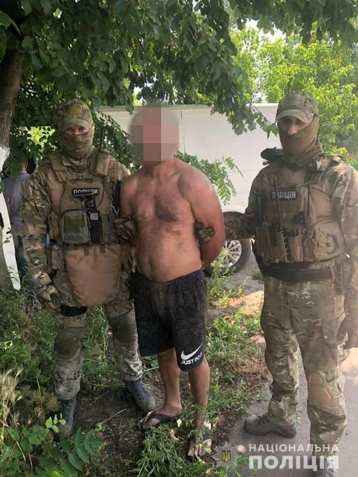 Под Днепром задержали трех иностранцев, ограбивших пенсионеров, фото-2